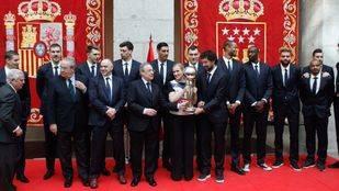 Recepción en la Comunidad de Madrid al equipo del Real Madrid de Baloncesto tras ganar su cuarta Copa del Rey consecutiva