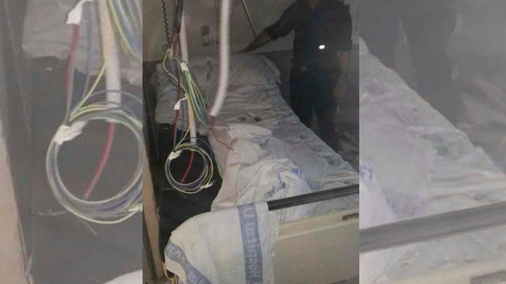 Herido leve un paciente de La Paz tras desprenderse parte del falso techo de su habitación
