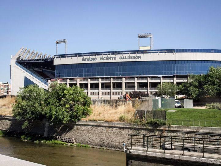 Cinco detenidos por ofrecer entradas falsas del Atlético-Barcelona
