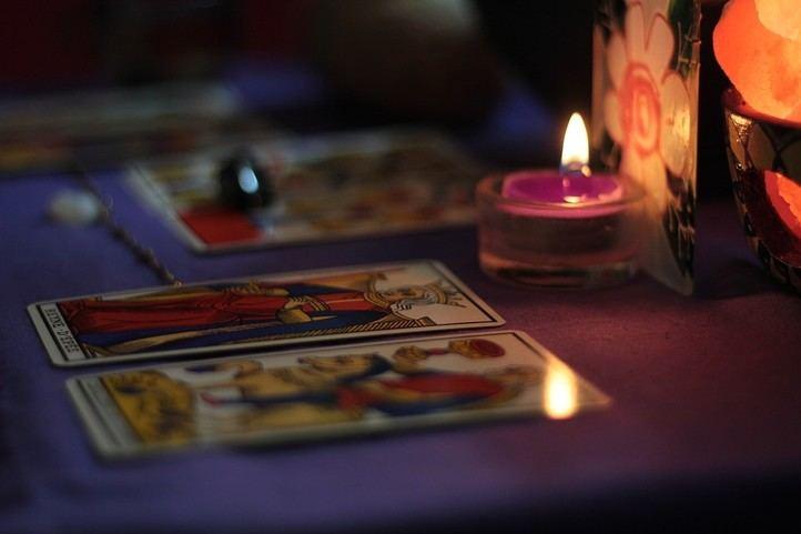 Tarot por teléfono en Estados Unidos y de España los mejores Videntes y Tarotistas