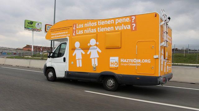 Hazte Oír pone este martes en circulación su nuevo autobús