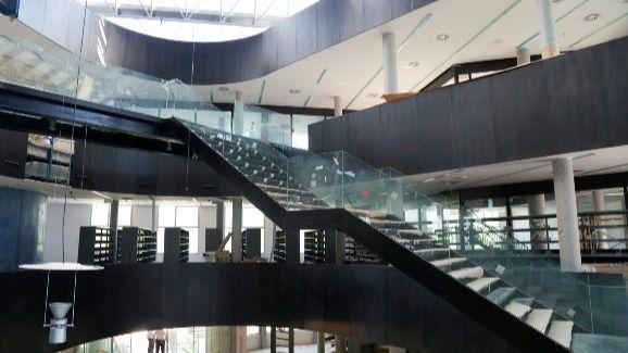 Desvalijada antes de inaugurarse: Leganés votará si paga por acabar su megabiblioteca