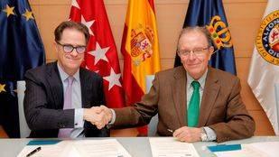 Firma del acuerdo entre la UAX y Sacyr para desarrollar el ROADLAB
