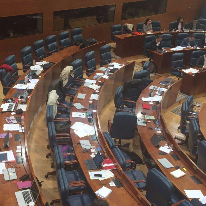 Podemos abandona el Pleno de la Asamblea tras una disputa con Paloma Adrados y David Pérez