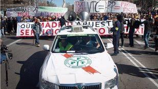 Manifestación de taxistas convocada por todas las asociaciones profesionales del sector contra las APP móviles como Uber o Cabify. (Archivo)