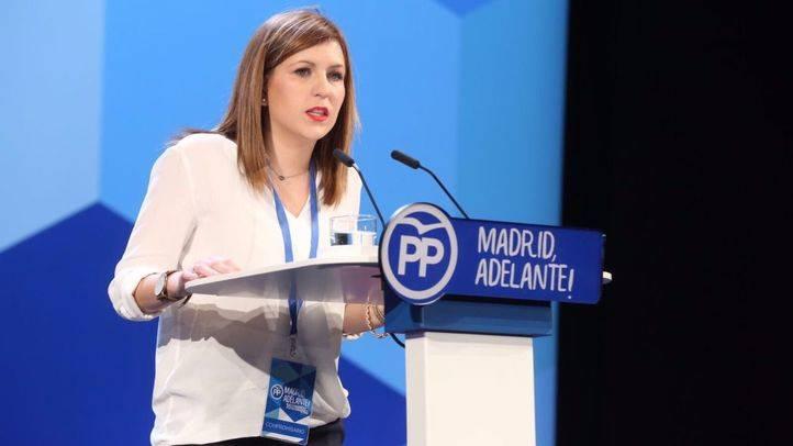 Ana Isabel Pérez Baos, presidenta de NNGG del PP de Madrid, durante su intervención en el Congreso regional del partido