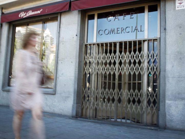 El Café Comercial no reabrirá este martes