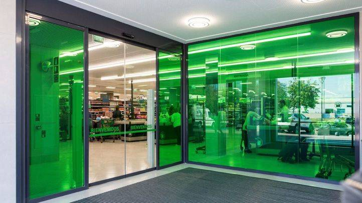 Mercadona inaugura su nuevo modelo de tienda eficiente en Móstoles
