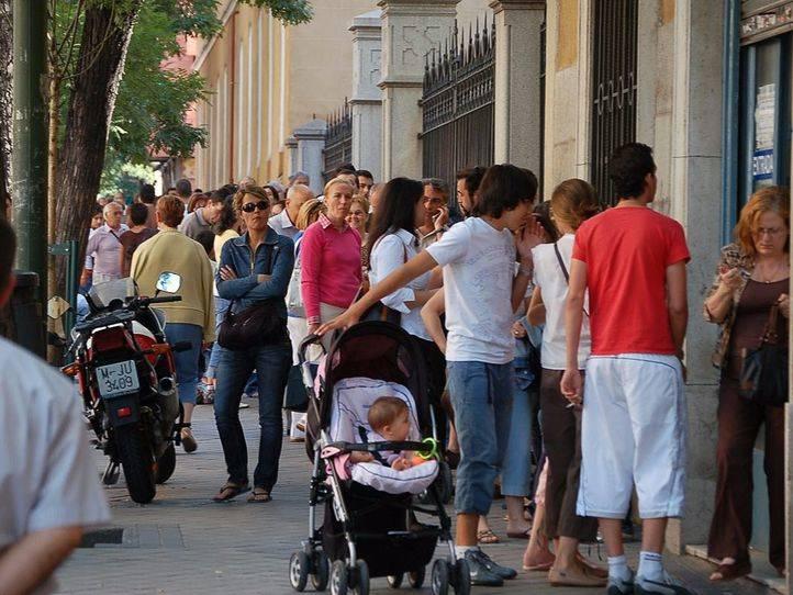 Pasaporte ccoo y sup denuncian el colapso en las oficinas for Oficinas pasaporte madrid