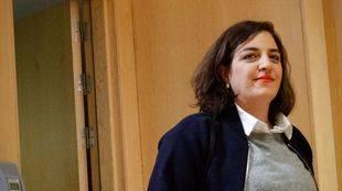 Celia Mayer entrando a la rueda de prensa en la que se anunció su salida de Cultura y la creación de la nueva Concejalía de Igualdad