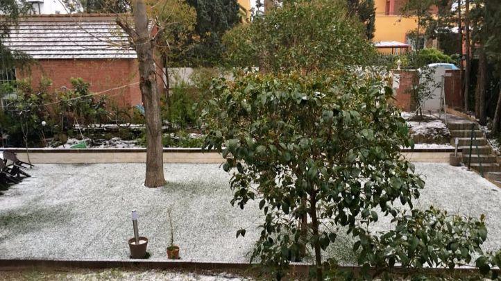 El frío polar trae nieve este viernes a la región