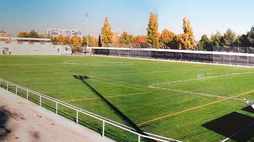 El PP exige al Ayuntamiento que termine las obras del estadio del CD Moscardó