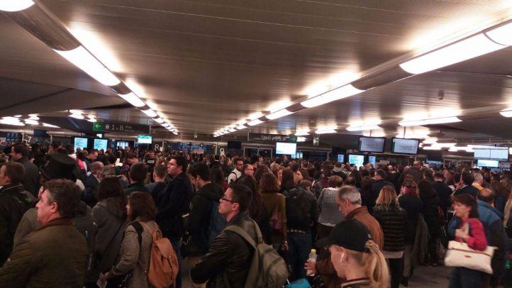 Atocha, colapsada por la huelga de trabajadores de Ferrovial