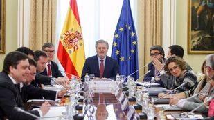 Méndez de Vigo quiere que el pacto educativo vaya acompañado de un acuerdo presupuestario