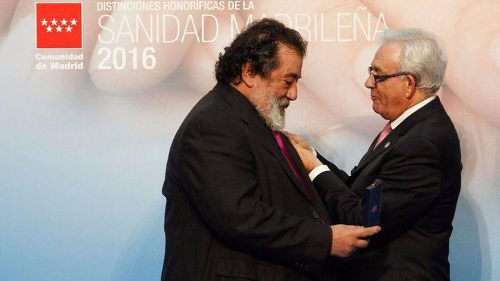 Arturo Fernández Cruz, Matías Prats y José Miguel Utande, premiados por 'humanizar' la Sanidad madrileña