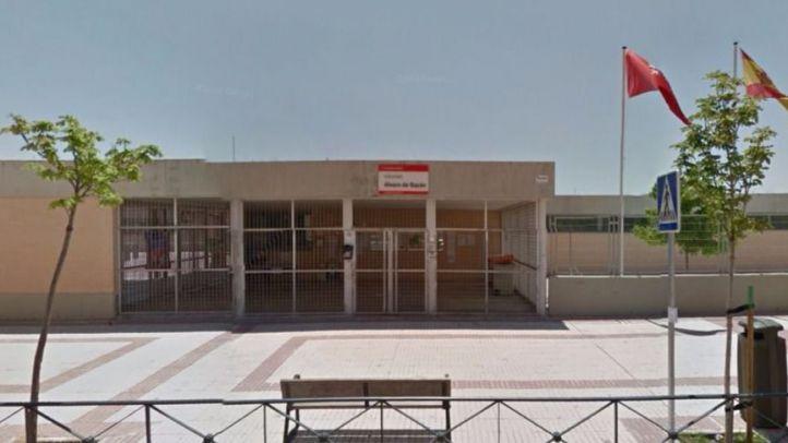 La Comunidad deja sin plaza en sus institutos adscritos a varios alumnos de un colegio de San Blas