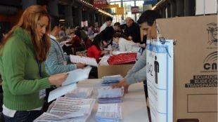 Más de 60.000 ecuatorianos residentes en Madrid eligen este domingo a su presidente