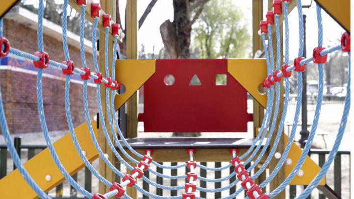 Madrid renueva una treintena de áreas de juegos infantiles