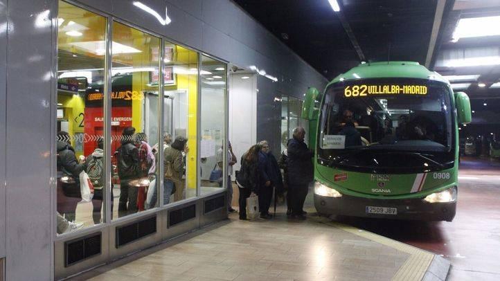 Una de las líneas de Autobuses Larrea que cubre los municipios del noroeste de Madrid cumpliendo los servicios mínimos