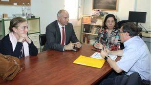 El Pérez Galdós no se rinde: padres y alumnos se encierran indefinidamente en el instituto