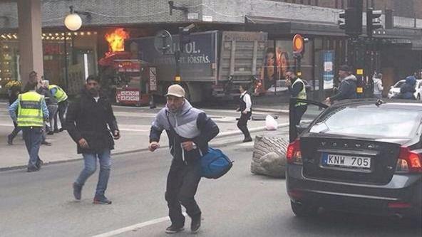 Camión empotrado en Estocolmo.