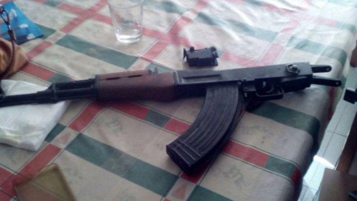 El fusil ha sido hallado cerca del colegio Ortiz Echagüe
