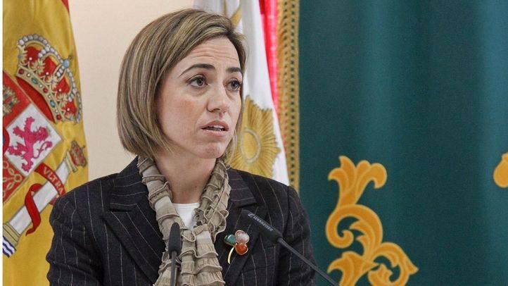 Biografía de la primera mujer que fue ministra de Defensa en España