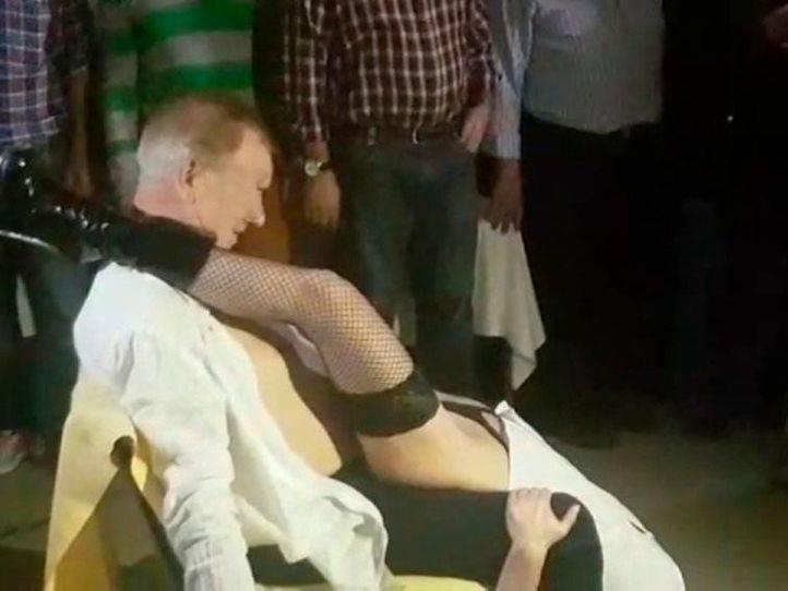 Alcalá rechaza investigar la polémica fiesta con 'stripper'