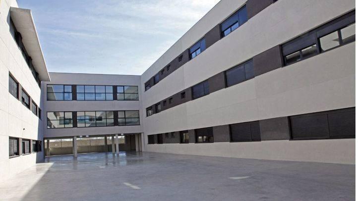 El PSOE recoge firmas en Change.org para exigir la suspensión del concierto del centro