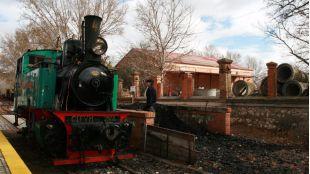 De la Poveda a la Laguna del Campillo: el recorrido de un tren de vapor con mucha historia