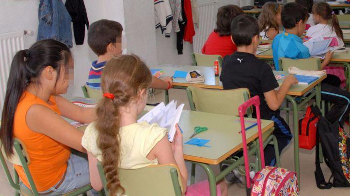 Un aula con alumnos de un colegio público  en Valdemoro