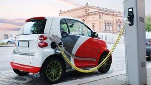 Ciudadanos quiere que los coches eléctricos no paguen ni SER ni peaje