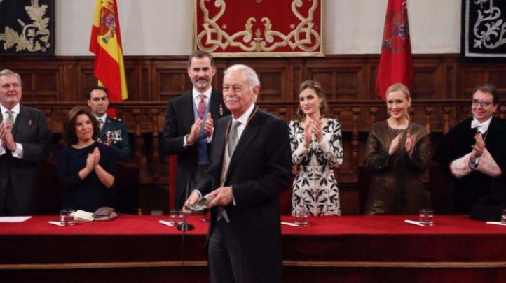 Ceremonia de entrega del Premio Cervantes a Eduardo Mendoza