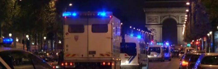 Un policía muerto y dos heridos graves tras un tiroteo en los Campos Elíseos
