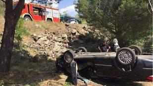 Así ha quedado el turismo en el que viajaba la fallecida en el accidente en la M-533, a la altura de Zarzalejos