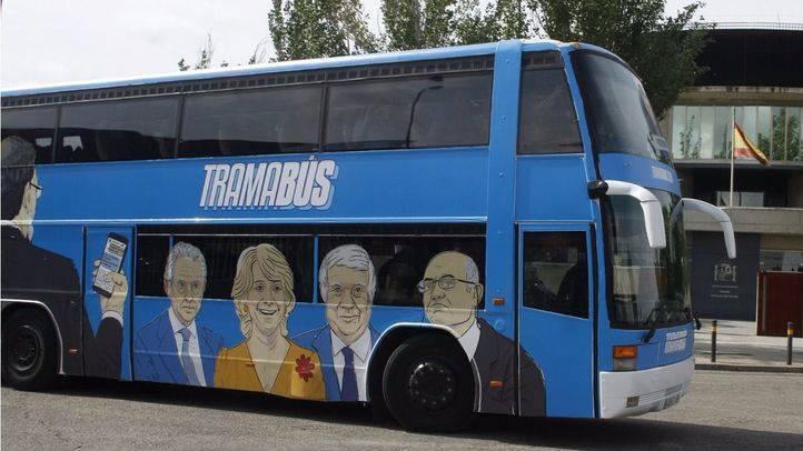 PP, PSOE y Cs condenan el 'Tramabús' de Podemos