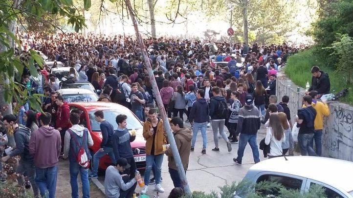 Multitudinaria celebración de un San Cemento marcado por la presencia policial