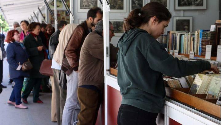 Feria del Libro Antiguo, en el Paseo de Recoletos.