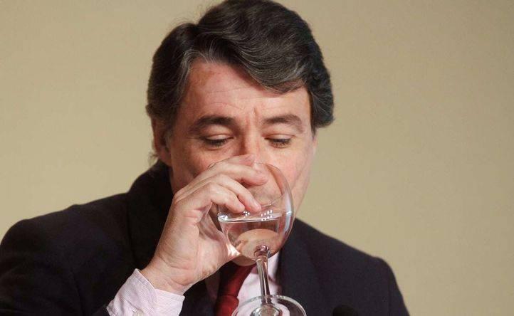 Los ayuntamientos se personarán en la causa contra González
