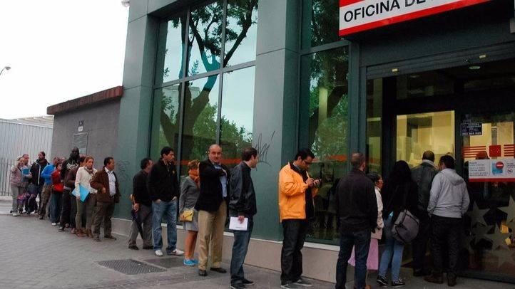Casi 12.400 personas salen de las listas del paro en abril en la Comunidad de Madrid