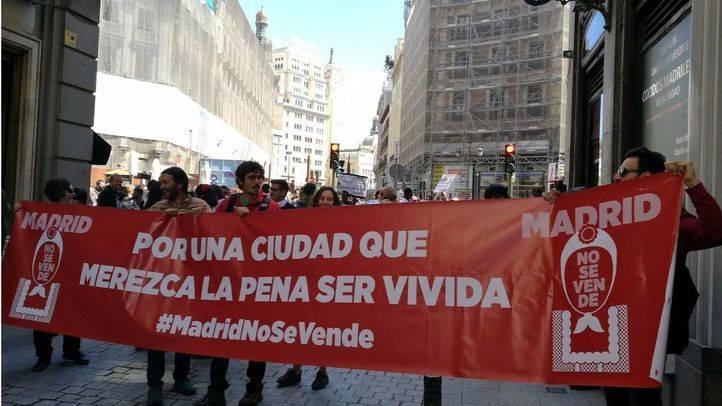 La protesta ha arrancado en la plaza de Canalejas