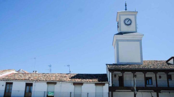 Torre del reloj y Ayuntamiento de Valdemoro.