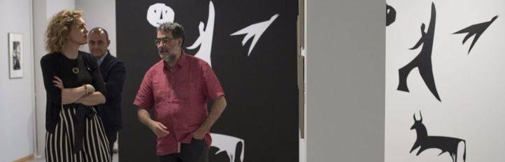 María Pardo, directora general de Promoción Cultural de la Comunidad de Madrid, ha inaugurado la exposición 'Picasso y la fotografía'.