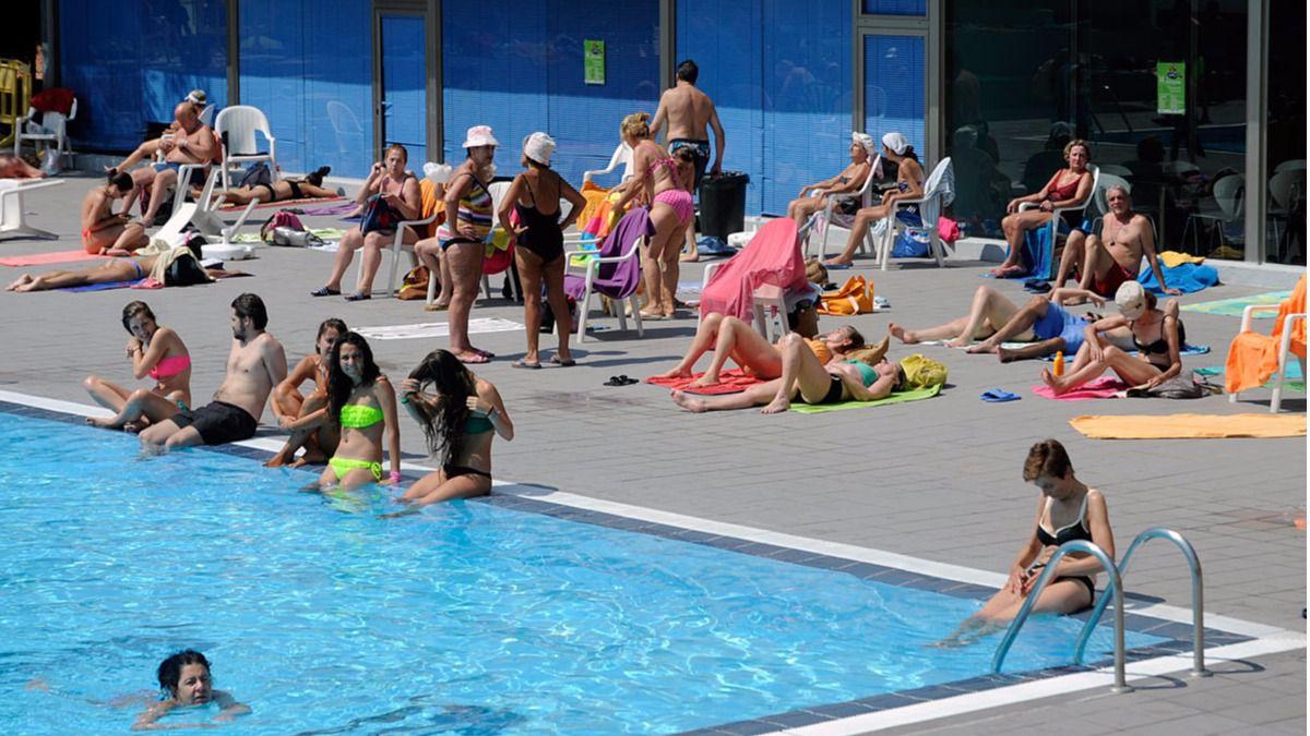 Las piscinas municipales abren este s bado con una jornada for Piscina publica madrid