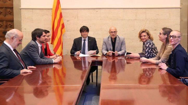 El Ayuntamiento alquila una sala a Puigdemont y el PP critica que se ampare un