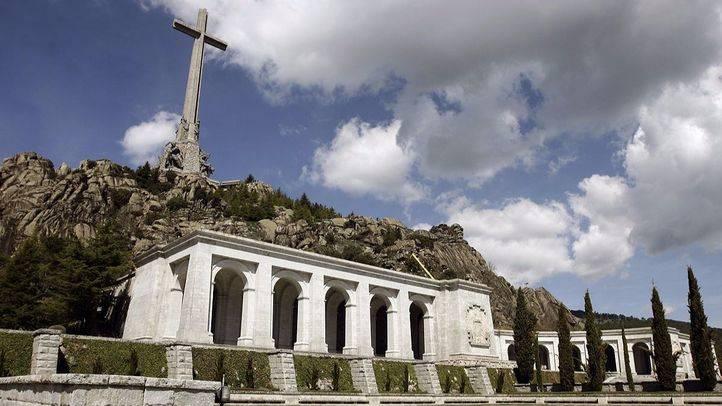 La Abadía Benedictina de la Santa Cruz del Valle de los Caídos pertenece a Patrimonio Nacional.