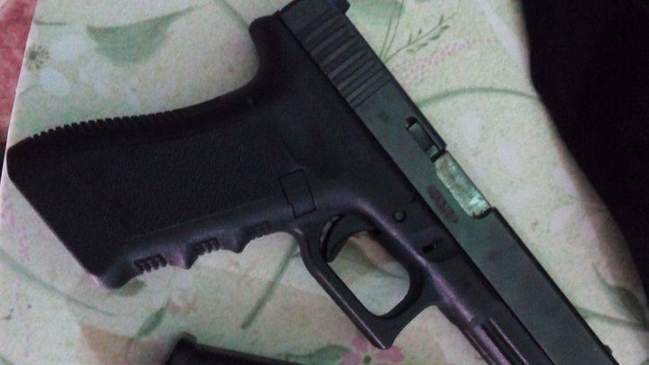Pistola incautada por la Policia Nacional