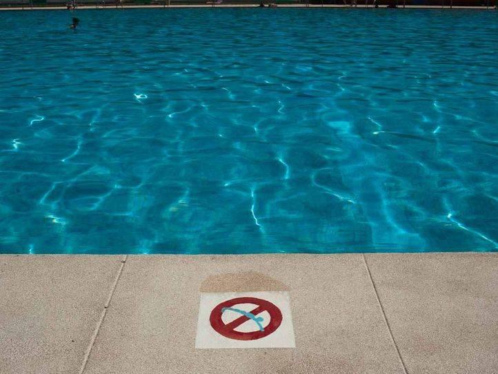 Una niña de 4 años ingresa grave tras sufrir un ahogamiento en la piscina de un colegio de Galapagar