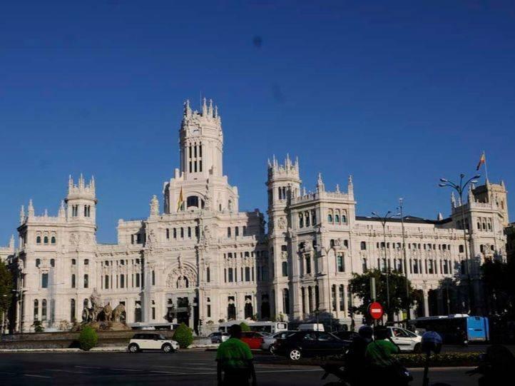 Los empleados del Ayuntamiento de Madrid pueden salir una hora antes de su trabajo desde este jueves
