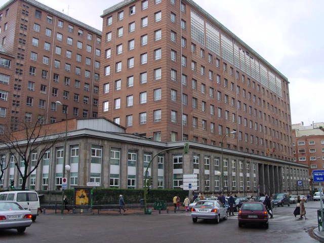 Pacientes del Hospital de La Princesa denuncian retrasos de las ambulancias